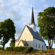 Stange kirke er en langkirke av kalksteinskvader antagelig oppført på midten av 1200-tallet. Stange kirke er angivelig den kirken som omtales i Håkon Håkonssons saga da ribbungene gjorde innfall i bygda 1225.